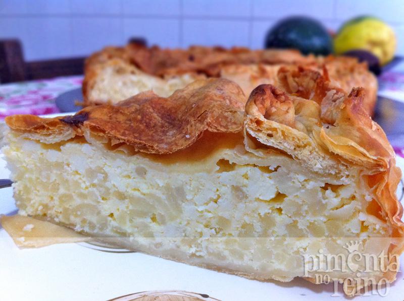 Torta folhada de arroz doce e ricota
