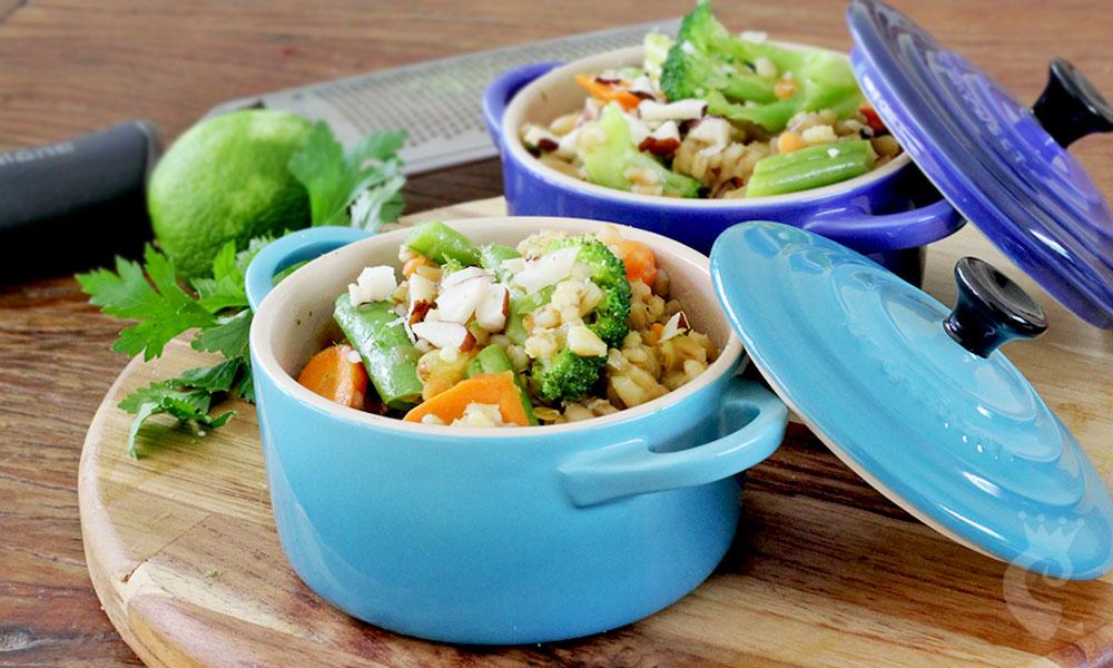 Cevadinha ao curry com legumes